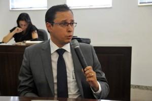 O promotor de justiça, Rodrigo Fragas, apontou como a medida mais concreta, no momento, é a construção de um centro de internação para menores.