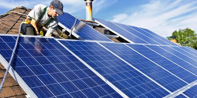 Sistema solar fotovoltaico converte diretamente os raios solares em eletricidade