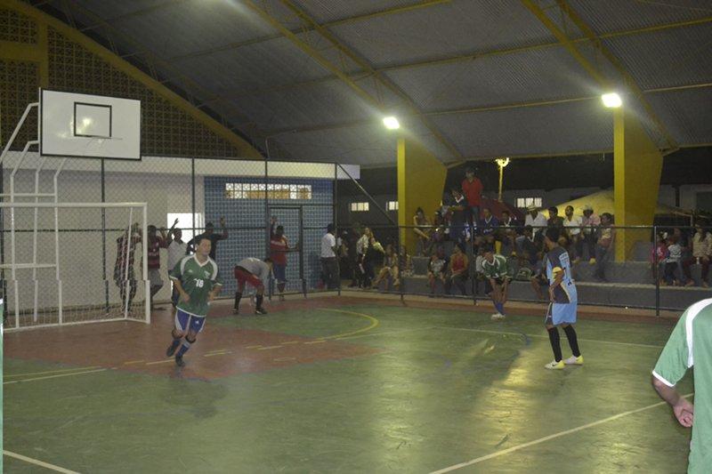 m_Torneio de inaguração de ginásio poliesportivo no assentamento Craúno