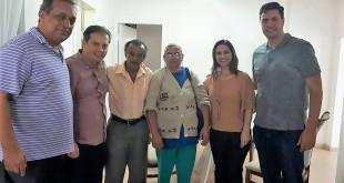 ex-prefeito Carlos Moreira; Toninho, líder comunitário do bairro Cidade Nova, Pérpetua de Jesus, moradora do mesmo bairro e a prefeita Simone Carvalho Moreira
