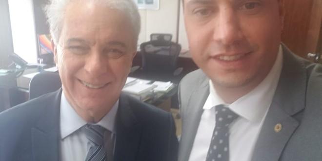 Com o secretário-executivo Marcos Montes