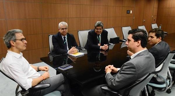 m_Tito Torres acompanha presidente da Petrocity em reunião com Governador