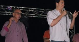 m_O Deputado Estadual Tito Torres discursa ao lado do Prefeito Vandir Valério