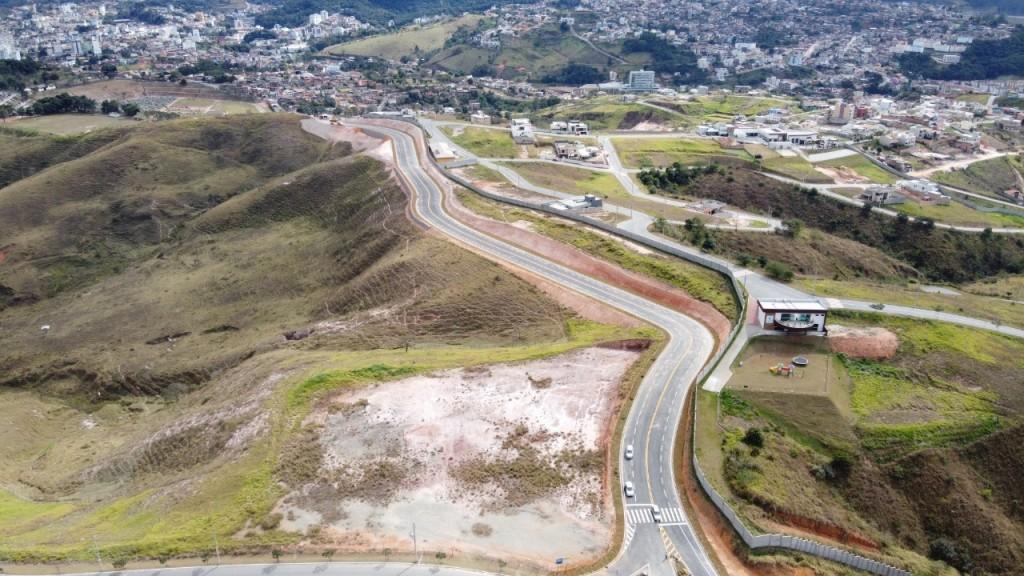 A via, de aproximadamente 4km de extensão, vai melhorar a mobilidade urbana.